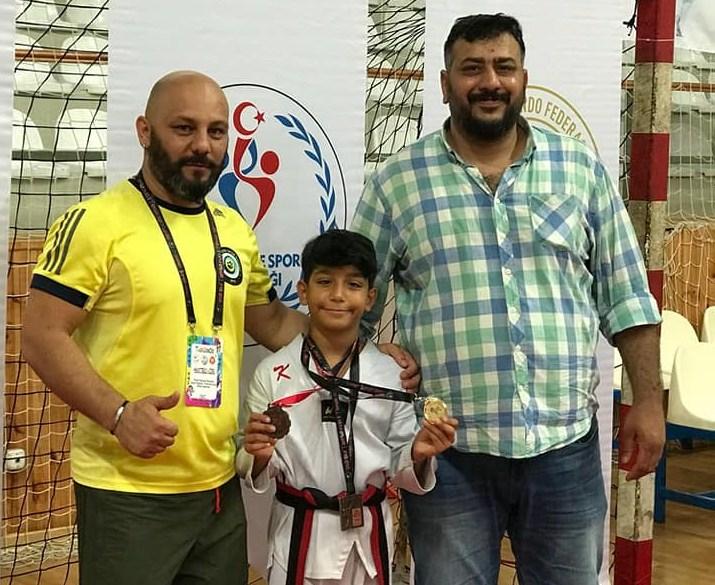 Minikler Taekwondo İstanbul Şampiyonasında Madalya